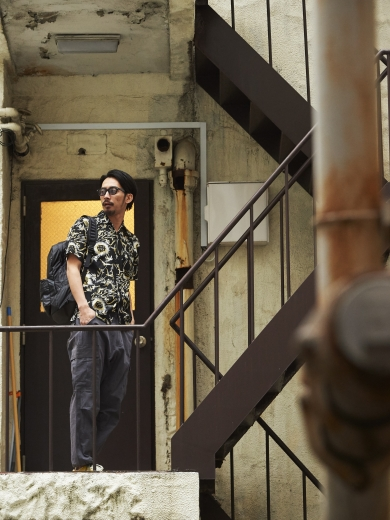 ALOHA SHIRT / LIFE BACK PACK / REBEL CARGO PANTS
